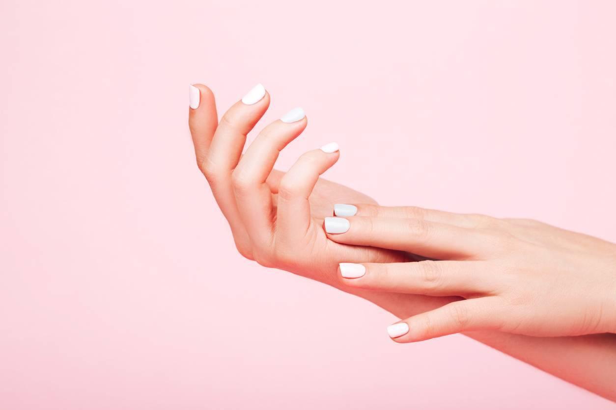 soins ongles femmes