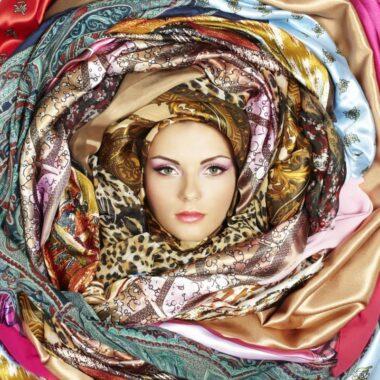 Embellir sa tenue avec de la soie